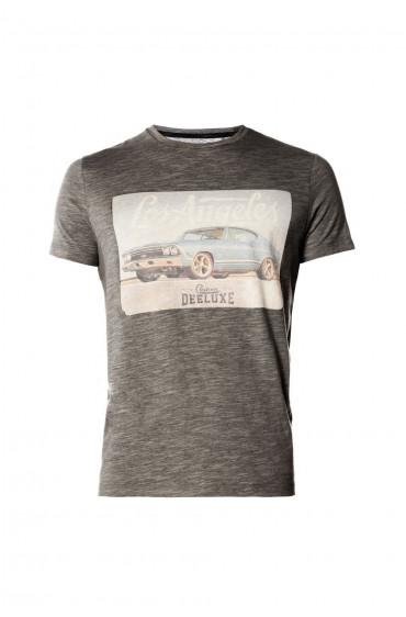 T-shirt Stuck
