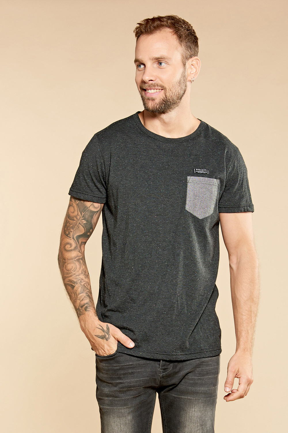 T-shirt ANSWER Outlet Deeluxe